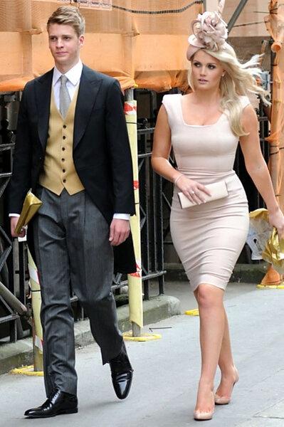 Лысая Кейт очаровательна: в сети обсуждают редкую фотографию с крестин герцогини Кембриджской новые фото
